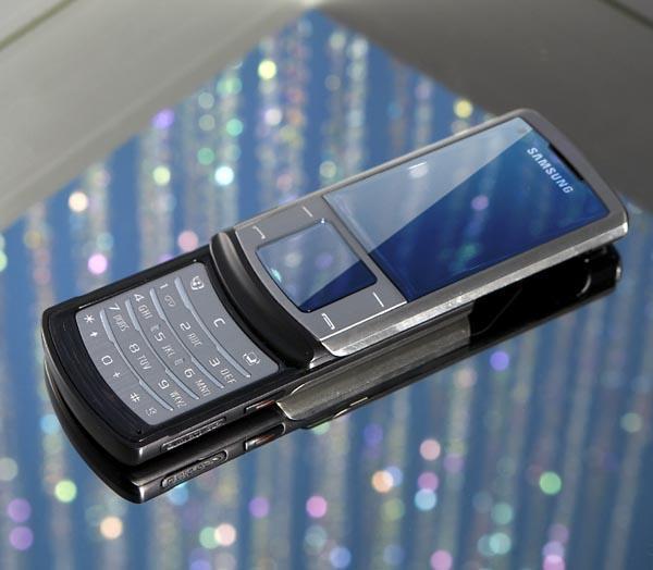 Samsung U900 Soul, bir ay içinde 1 milyon satış seviyesine ulaştı