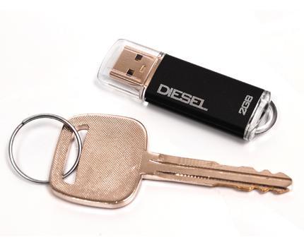 OCZ'den Diesel serisi yeni usb bellekler