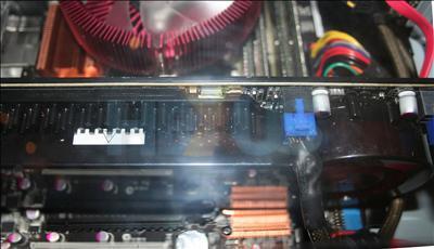 ATi R700 Siyah PCB ile geliyor