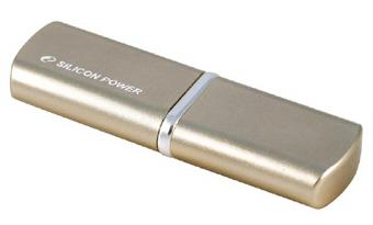 Silicon Power LuxMini 720 Serisi flash bellek ailesini duyurdu
