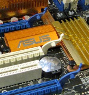 GeForce 9800GX2 ile Striker II Formula arasında uyum sorunu