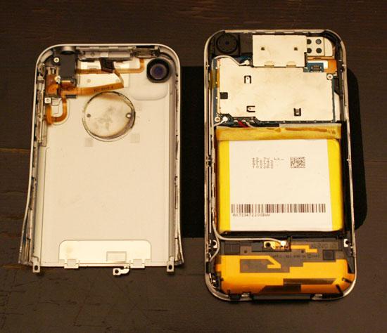 iPhone Soyuldu!