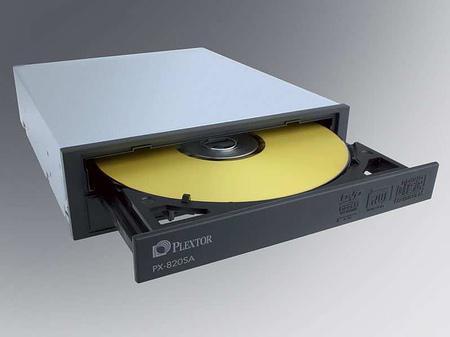 Plextor 20x hızında kayıt yapabilen iki yeni DVD yazıcısını duyurdu