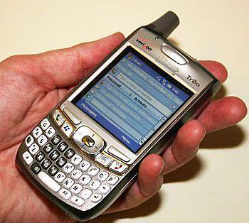 Palm'den Windows Mobile 5.0'lı cep telefonu; Treo 700w