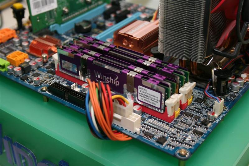 Computex 2008: Winchip te yeni belleklerini sergiliyor