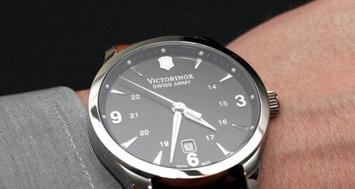 Victorinox giyilebilir cihaz pazarına giriyor