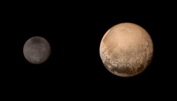 Plüton yeniden gezegen olarak kabul edilebilir