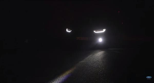 Ford'un yeni teknolojik farları gece sürüşünü daha güvenli hale getiriyor