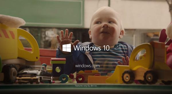 Microsoft gülümseyen çocuklara yer verdiği ilk Windows 10 reklamını yayınladı