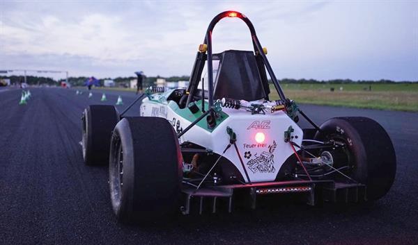0'dan 100 km/s hıza 1.799 saniyede ulaşan elektrikli araç rekor kırdı