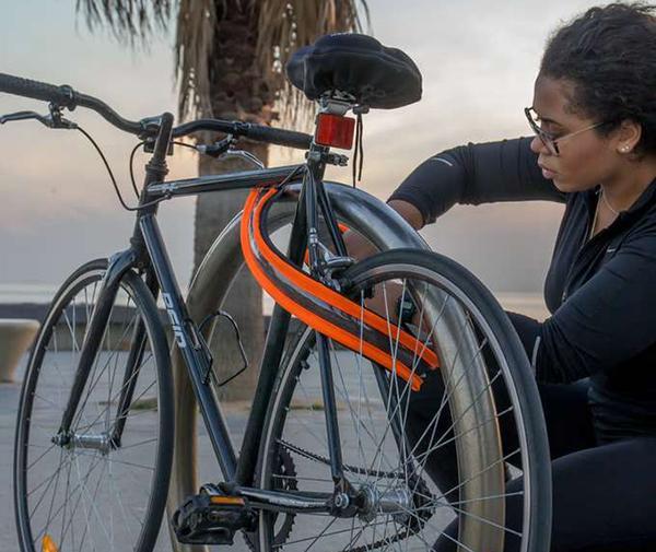 Dünyanın ilk çift taraflı güvenlik sunan giyilebilir bisiklet kilidi: Vivid Bike Lock
