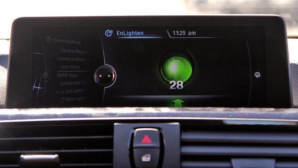 BMW trafik ışıklarındaki bekleme sürelerini araçlara getiriyor
