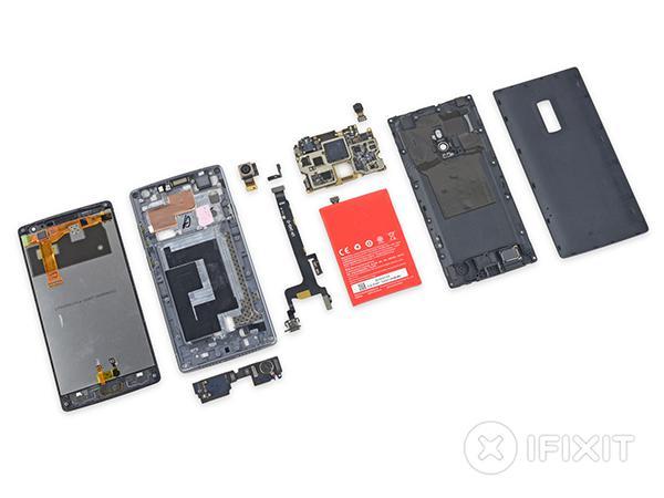 OnePlus 2 parçalarına ayrıldı