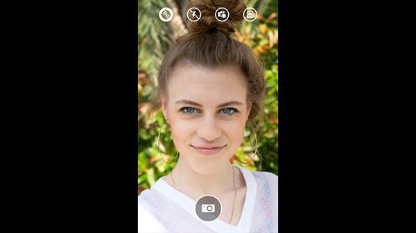 Lumia Selfie uygulaması, özçekim çubuklarına destek vermeye başladı