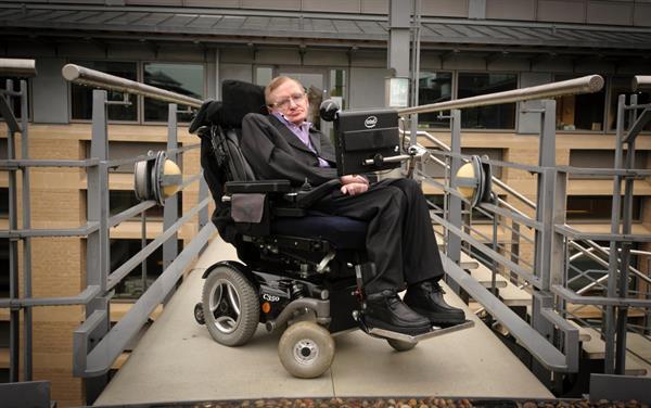 Stephen Hawking'in konuşmasına yardımcı olan yazılımın kaynak kodları yayımlandı