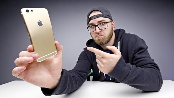 Apple iPhone 6S için ilk bükülme testi geldi (Video)