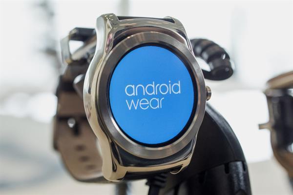 Android Wear'ın yeni güncellemesi ana ekranı hareketlendiriyor