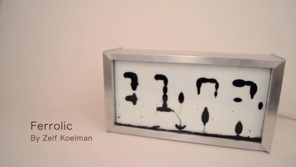 Ferrolic saati göstermek için ferromanyetik maddeleri kullanıyor