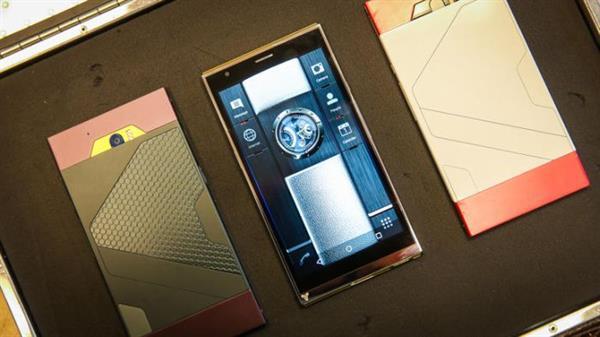 Likit metal gövdeli Turing Phone Aralık ayında piyasaya sürülecek