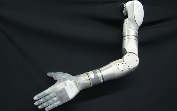 DARPA'nın protez eli gerçeğine yakın