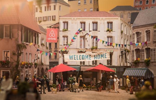 Airbnb tüm tatil planınızı üstlenmeye hazırlanıyor