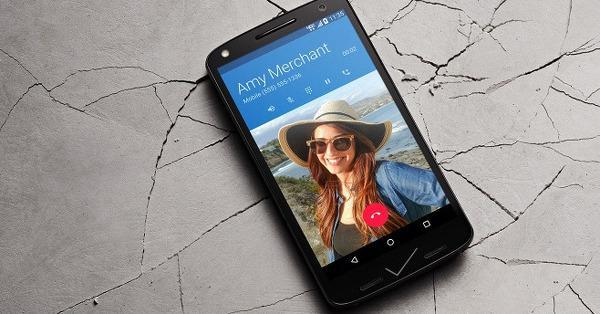 Motorola'dan camı kırılmayan telefon