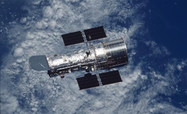Hubble Uzay Teleskobu birleşen galaksileri görüntüledi