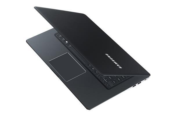 Samsung'dan iki yeni dizüstü