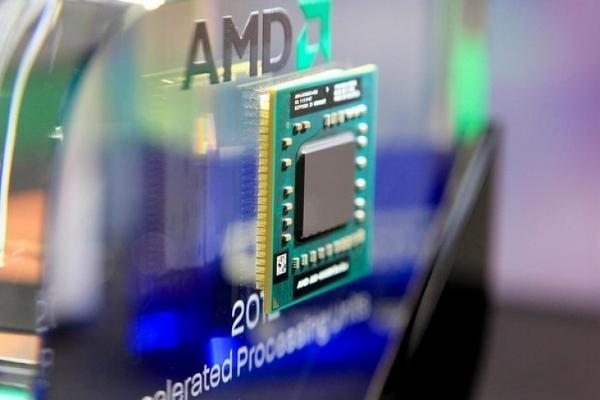 AMD Zen mimarili ilk işlemciler gelecek yıl sonunda