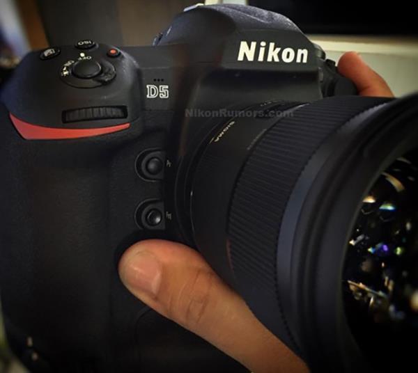 Nikon D5 ortaya çıktı