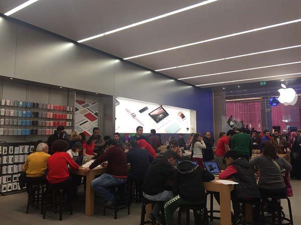Apple Türkiye'deki üçüncü mağazası için personel arayışını hızlandırdı