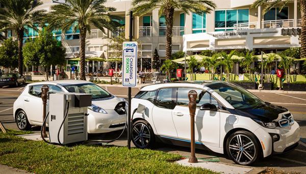 BMW ve Nissan araç şarj istasyonları için iş birliği yapıyor