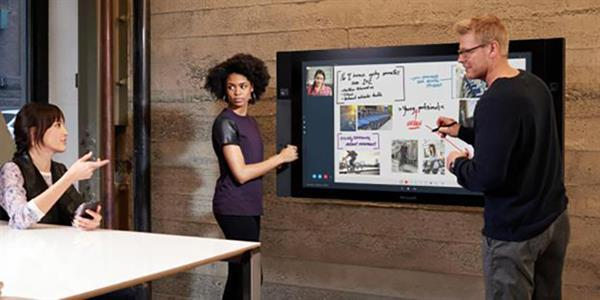 Microsoft Surface Hub'ların fiyatı arttı