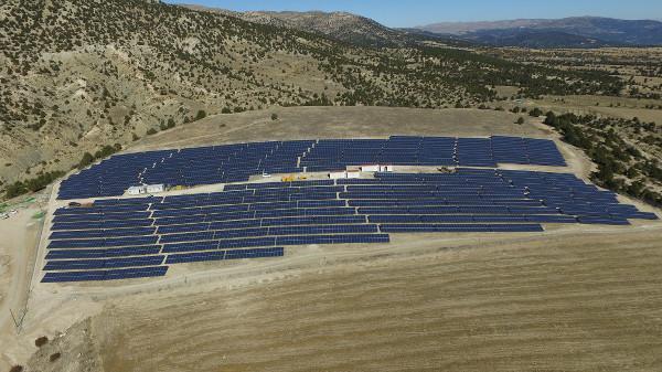 ET Solar, Türkiye'deki iki güneş enerjisi santralini birleştirdi