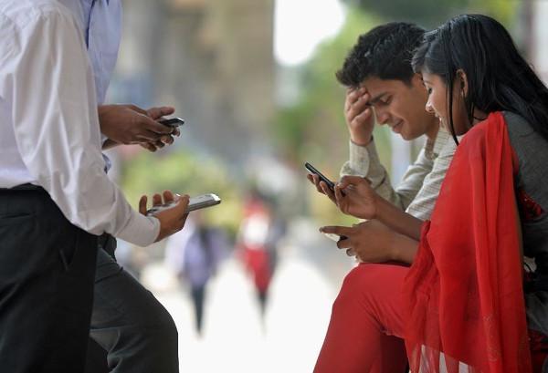 Hindistan'da mobil abone sayısı bir milyarı geçti