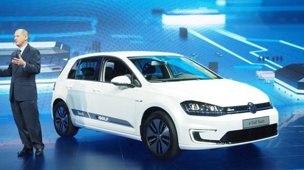 Volkswagen'den CES 2016'da son teknolojilerini topladığı e-Golf Touch