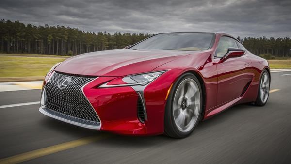 Lexus LC 500, adından bahsettirmeye devam ediyor