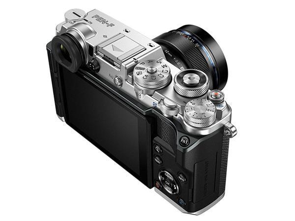 Olympus, PEN-F fotoğraf makinesini hayata döndürdü