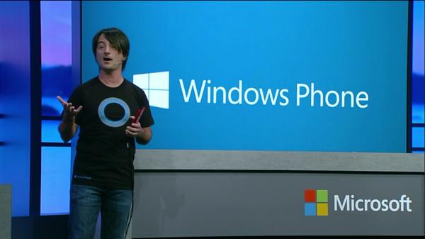 Windows Phone'un başındaki isim iPhone kullanırken yakalandı