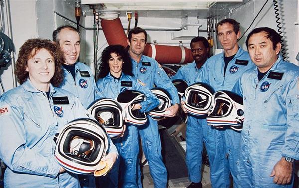 NASA, Challenger'da hayatını kaybeden astronotları anıyor