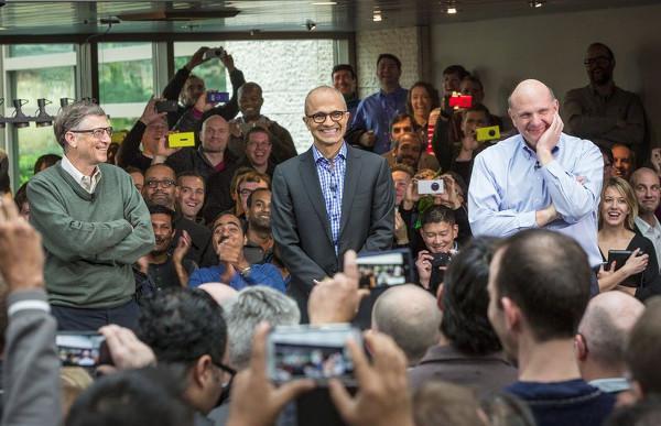 Ballmer: Microsoft'un mobil dünyada doğru yolu bulması gerekiyor