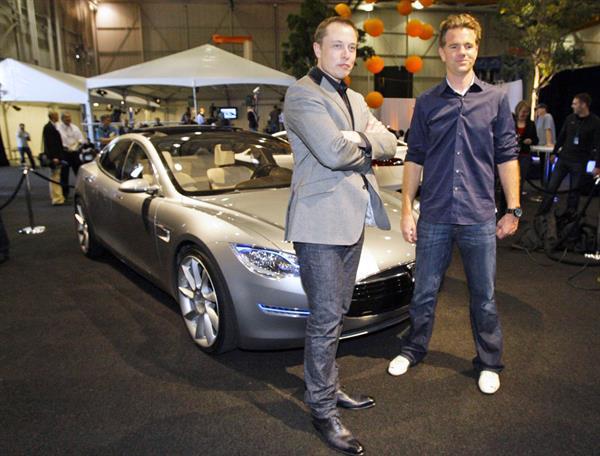 Tesla'nın en ucuz otomobili Model 3'ün fiyatı belli oldu