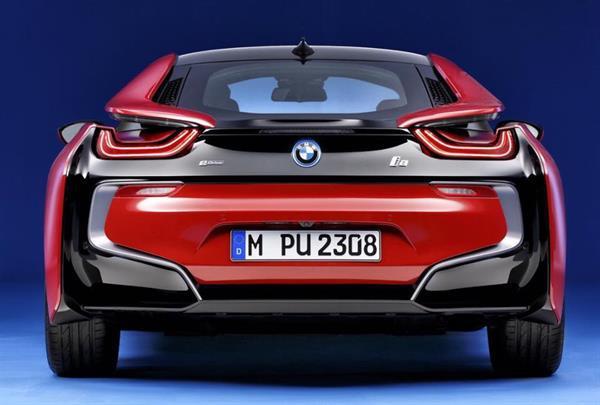 BMW'den i8 için ilk özel seri 'Protonic Red Edition'