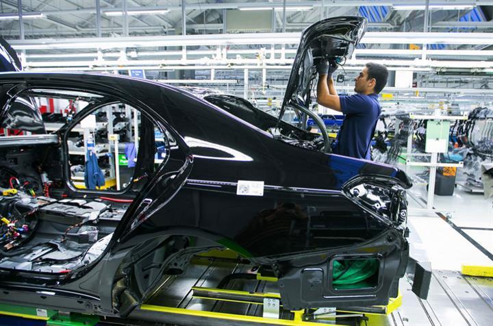 Mercedes, montaj hattındaki robotların işine son verdi