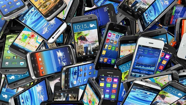 Resmi olarak açıklandı: İthal cep telefonlarına ek vergi gelmiyor!