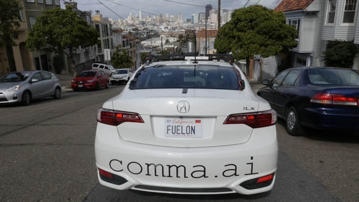 Ünlü hacker otonom araç kitiyle Google ve Tesla'yı alt etmeyi planlıyor