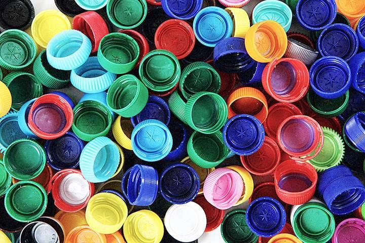 Bilim adamları plastik yiyen yeni bir bakteri çeşidi buldu