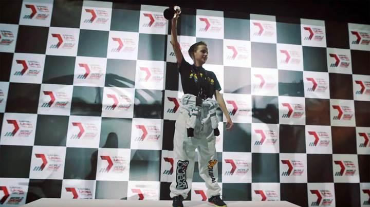 15 yaşında dünya drone şampiyonasında 250.000 dolar kazandı