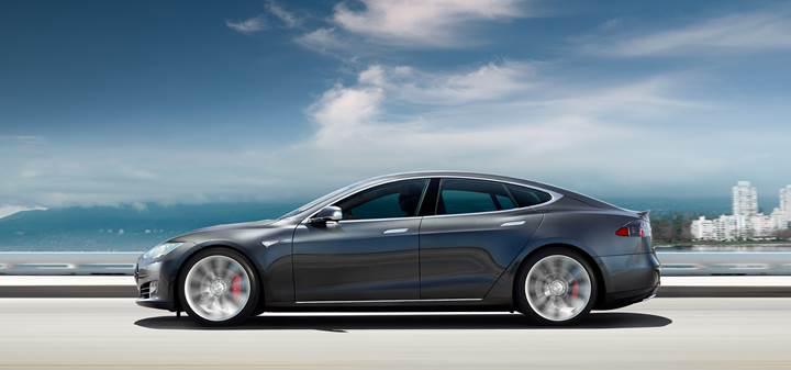 Tesla'nın Ludicrous Mod'a sahip Model S P90D'si hızlanma konusunda iddialı [Video]