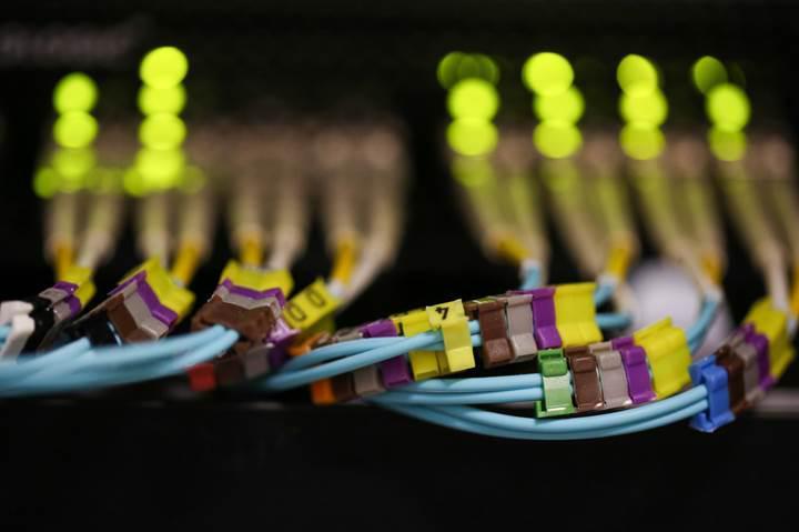 Fiber optik kablolar ile veri aktarım hız rekoru kırıldı: 57Gbps!